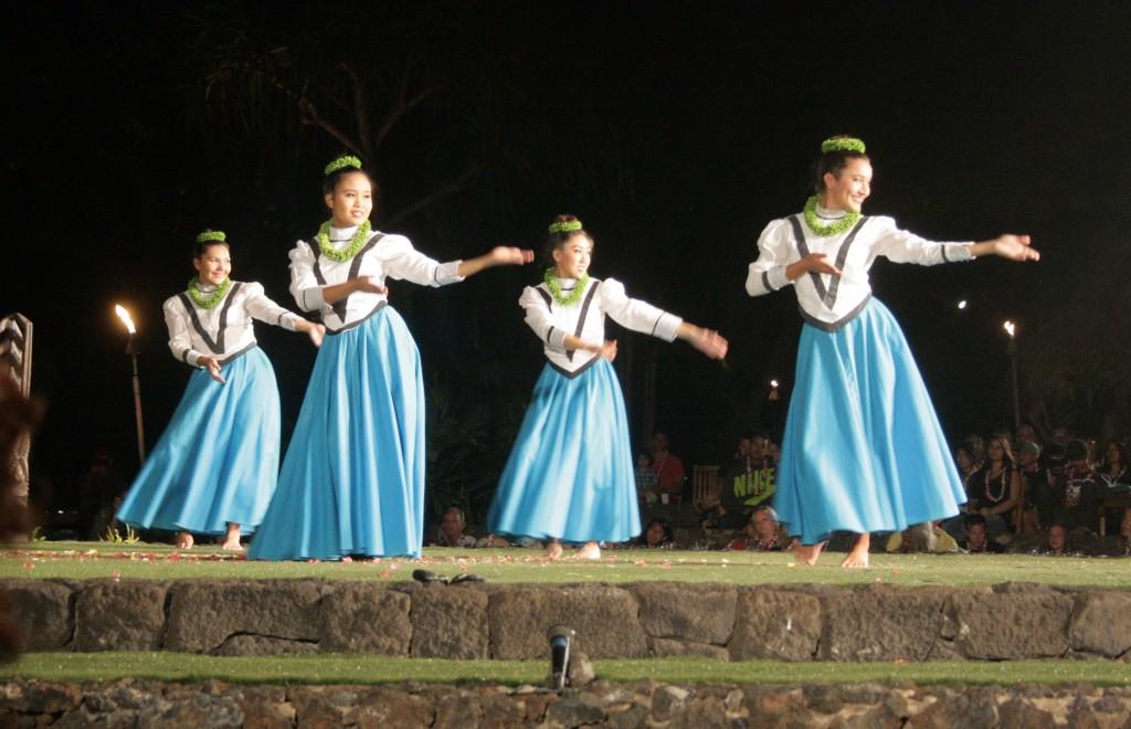Luau_Dance_2