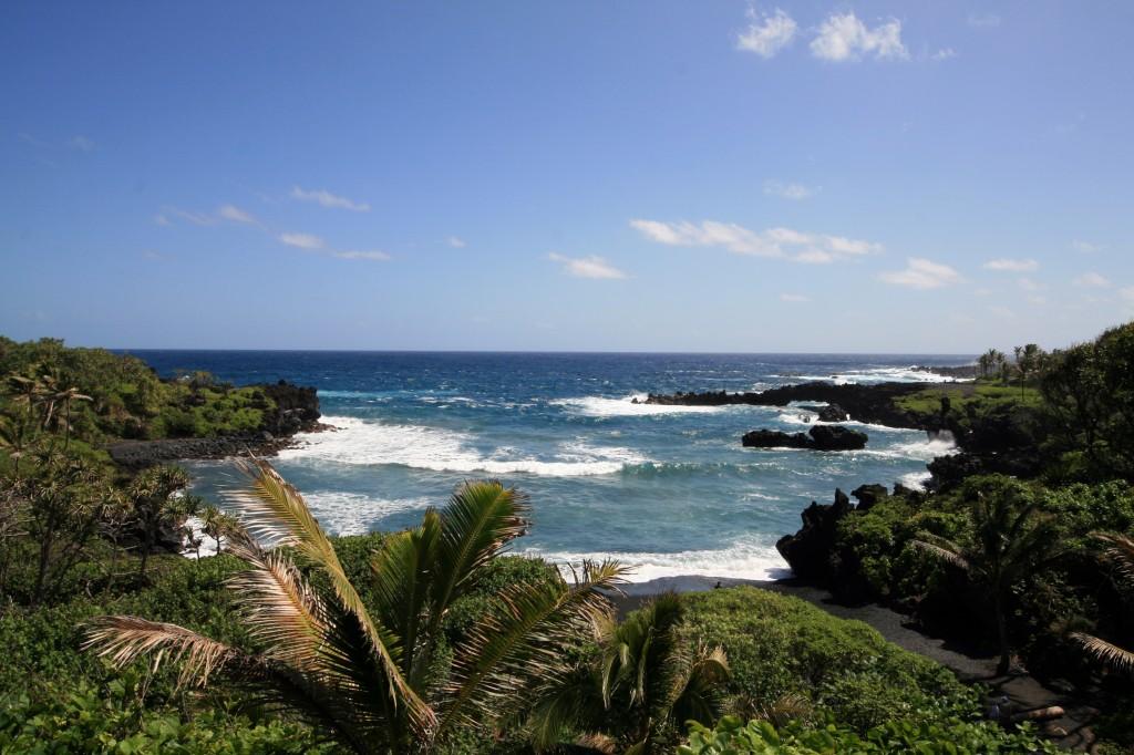wainapanapa_beach_2