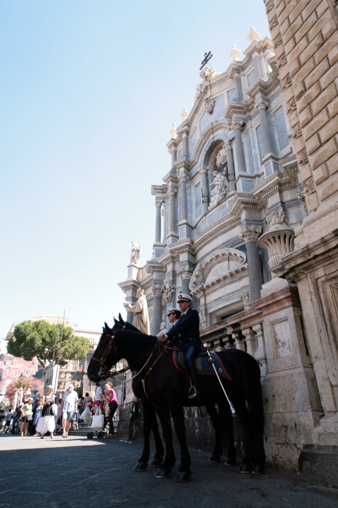 catania_cathedral_horses