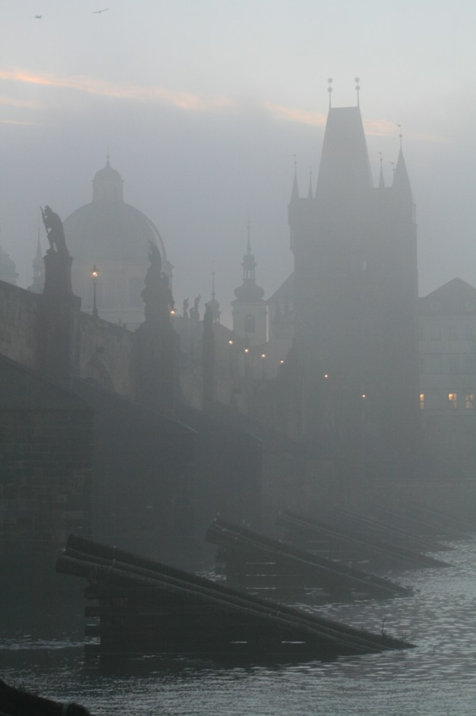prague-charles-bridge-14