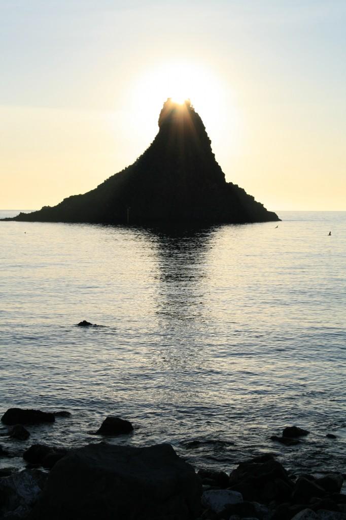 acitrezza-ciclopi-sunrise