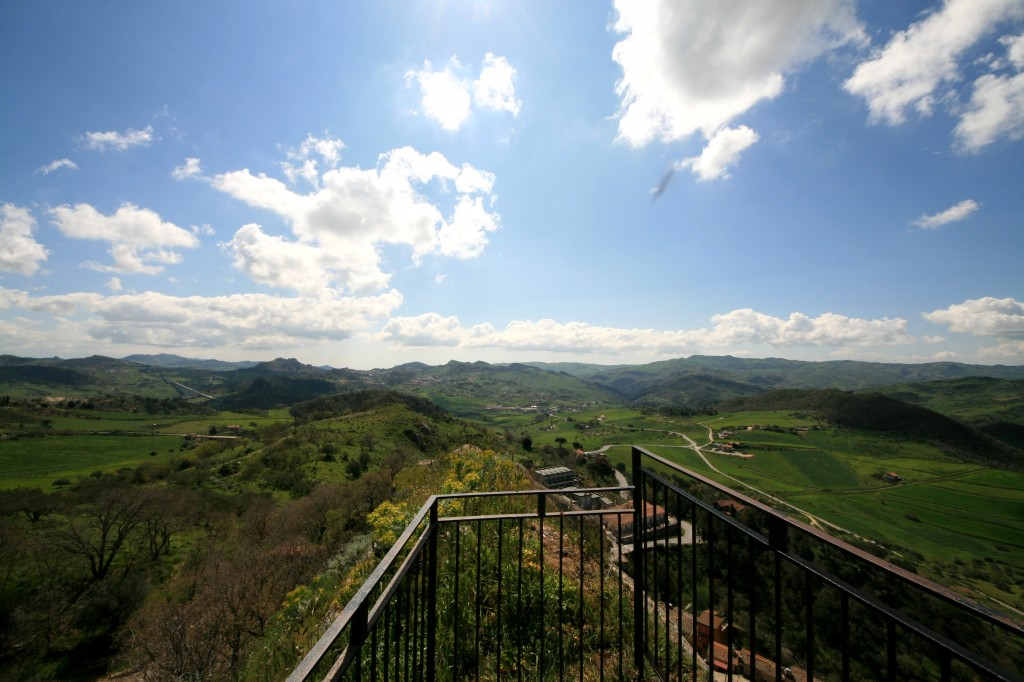 sperlinga-castle-view-1w