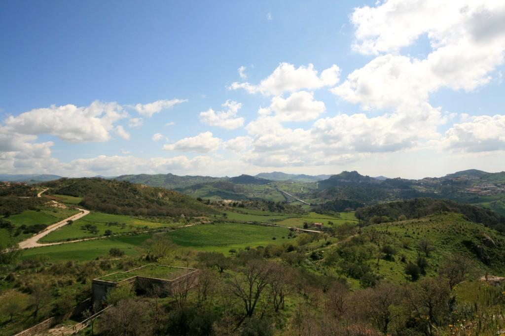sperlinga-castle-view-3w