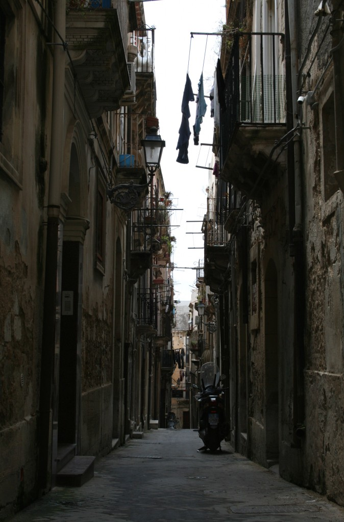 ortigia-alley-1
