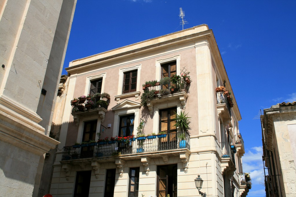 ortigia-balconies