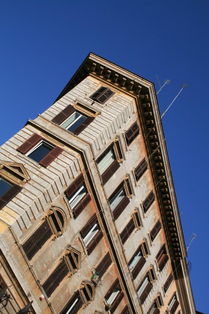 roma-building