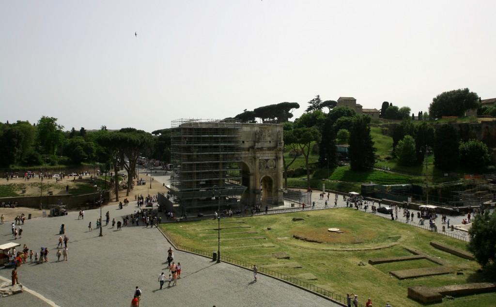 roma-colosseum-arch-constantine