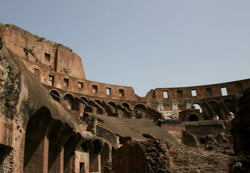 roma-colosseum-interior-1