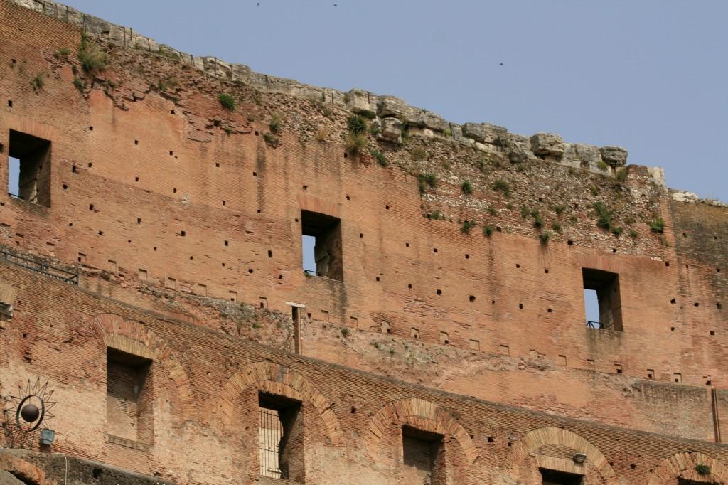 roma-colosseum-interior-4