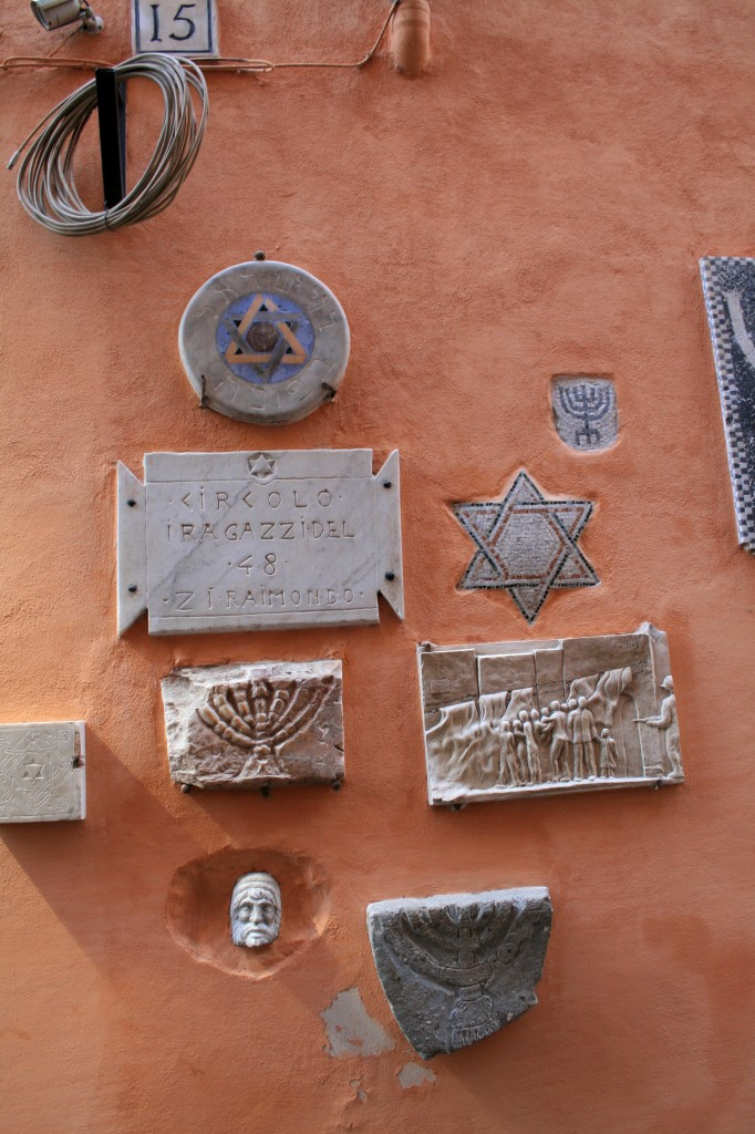 roma-ghetto-jewish-signs