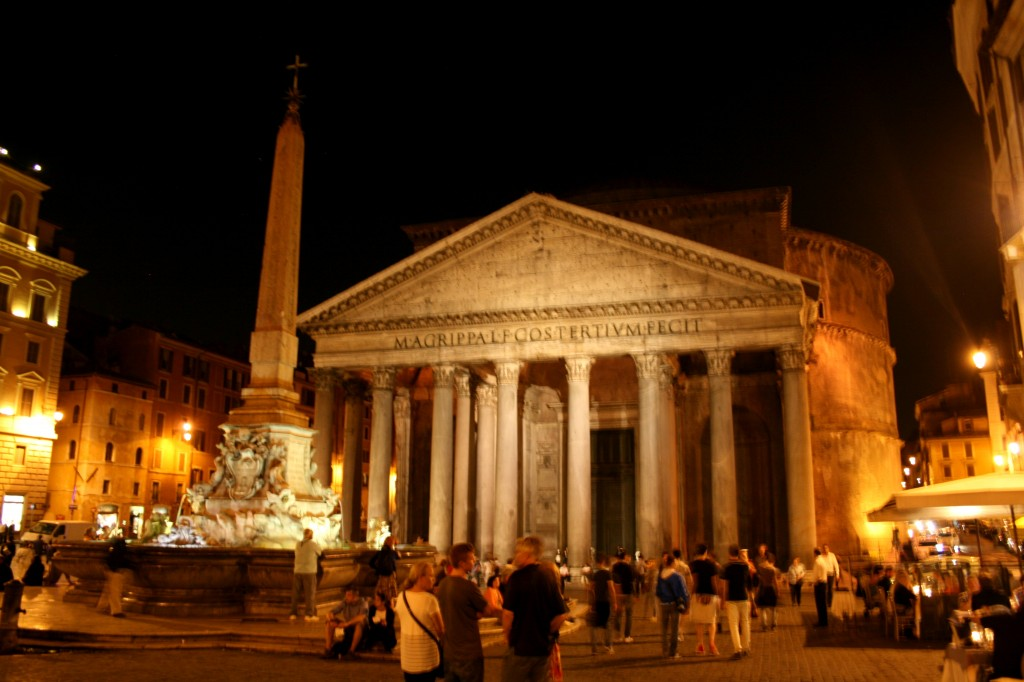 roma-pantheon-night