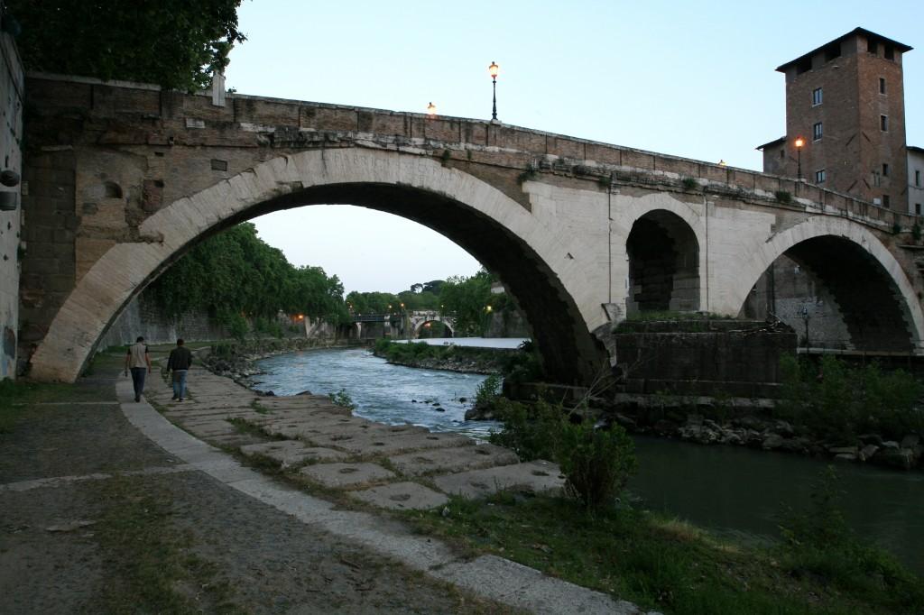 roma-ponte-fabricio-2