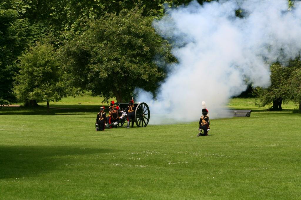 coronation-day-cannon-salute--2