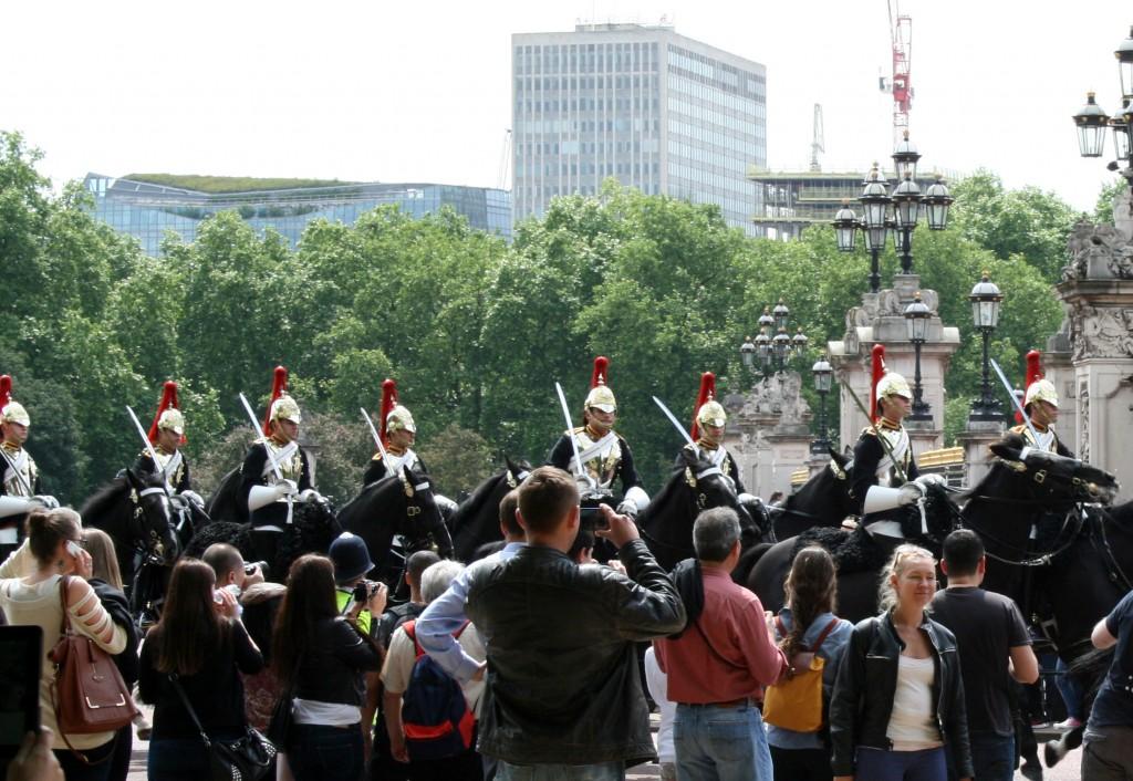 coronation-day-guard-armor