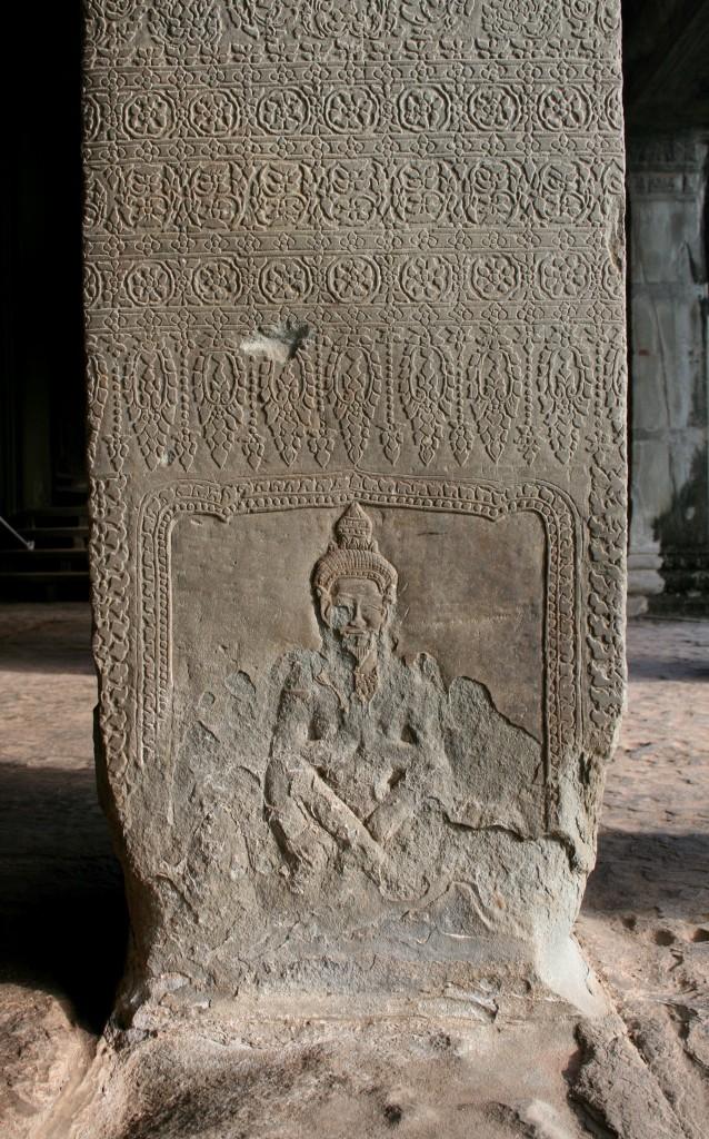 angkor-wat-carvings-column