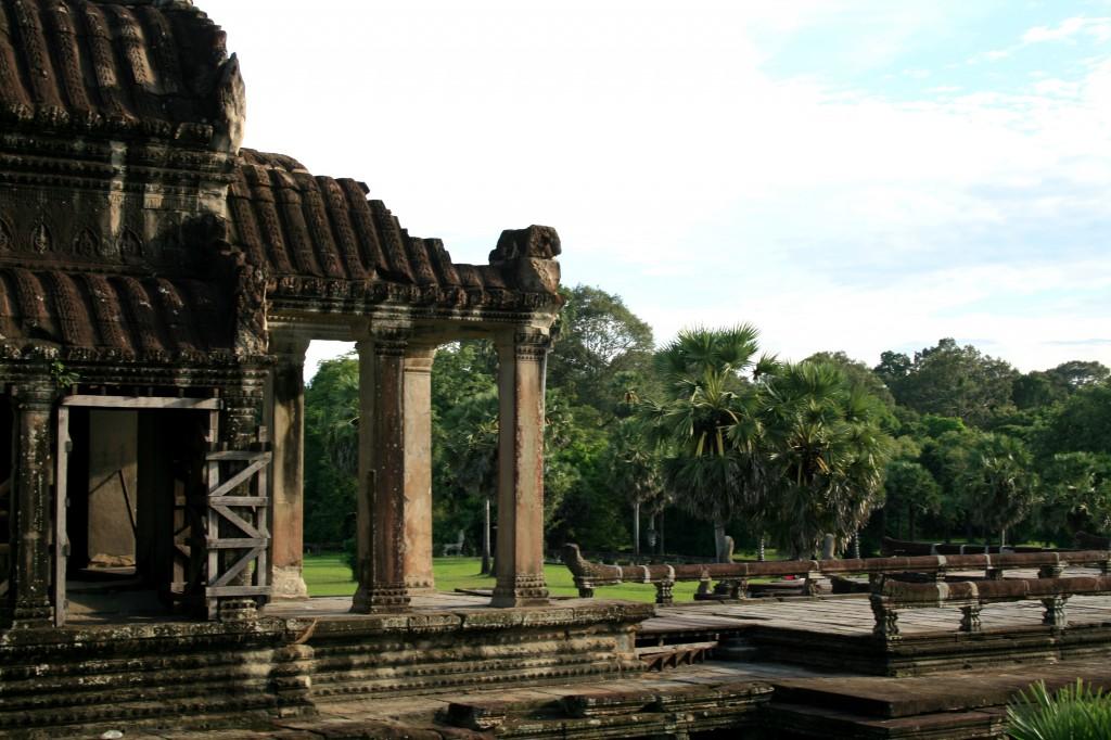 angkor-wat-front-entrance