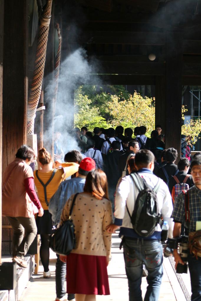 kiyomizu-dera-incense-3