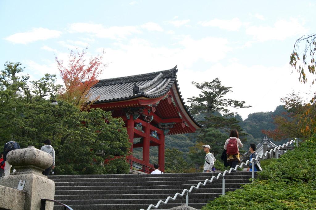 kiyomizu-dera-temple-stairs