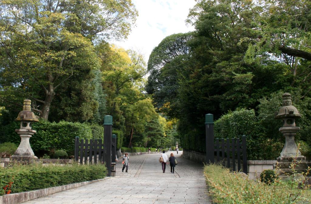 sannenzaka-path-1