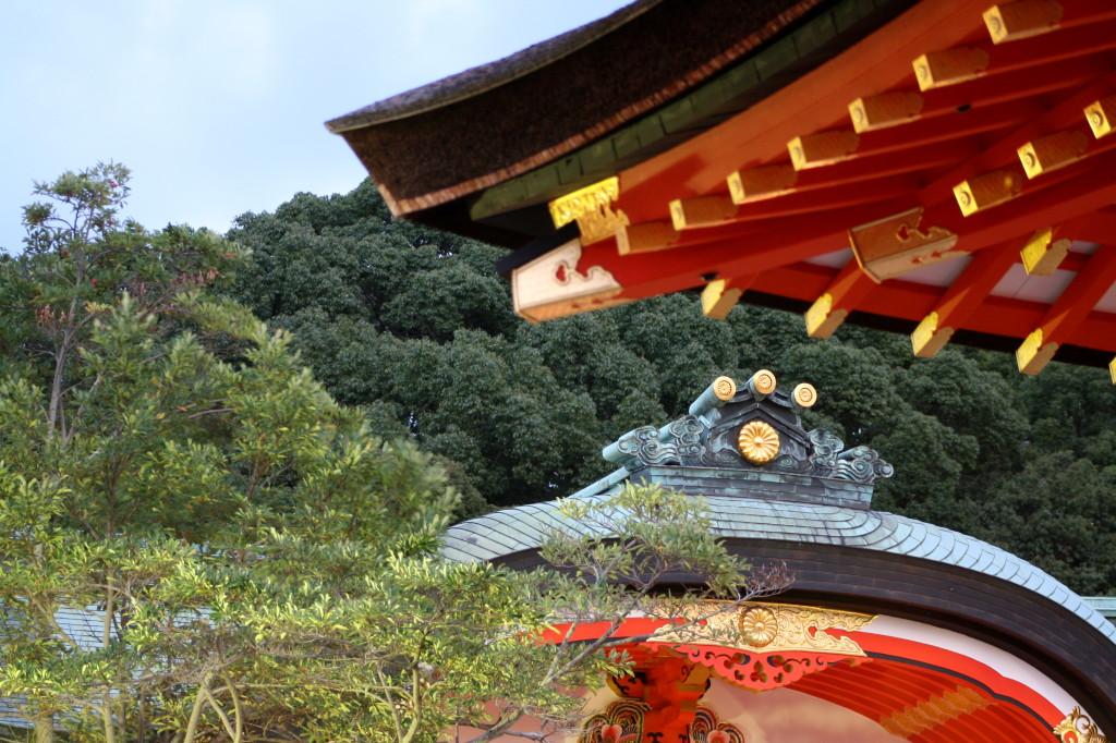 fushimi-inari-roof-detail-dark