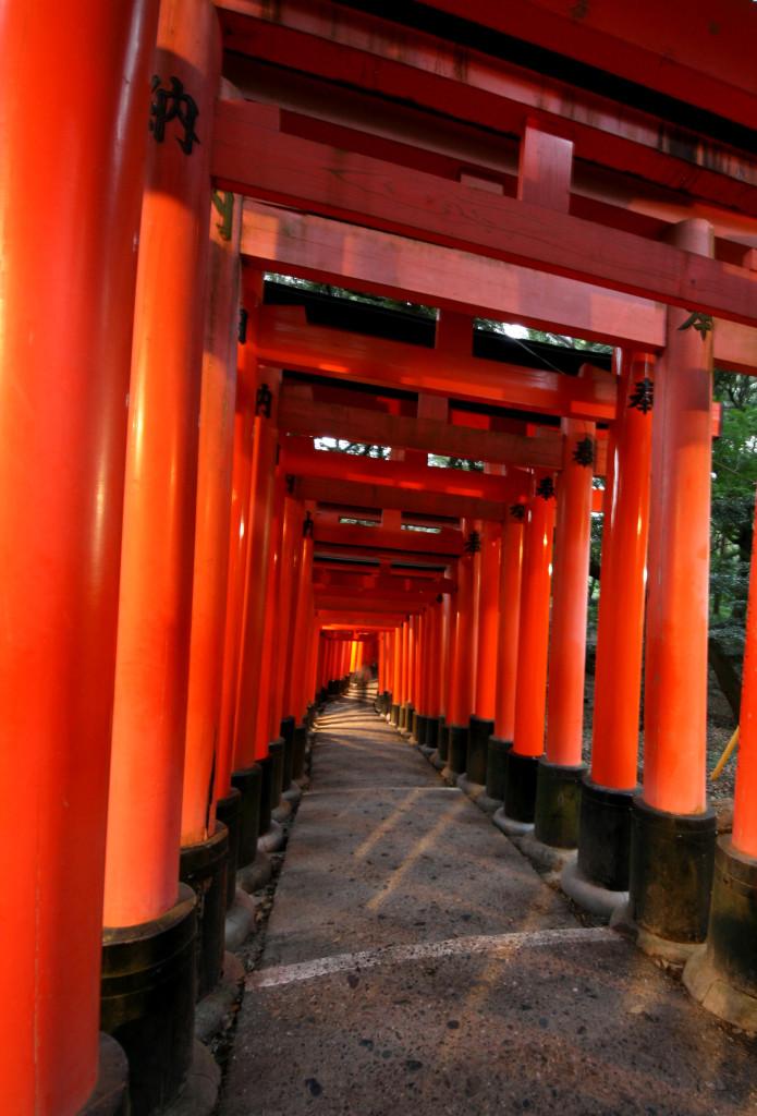 fushimi-inari-torii-gates-4