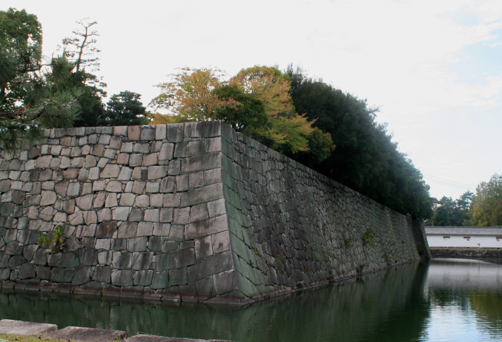 nijo-castle-moat-wall-2-close