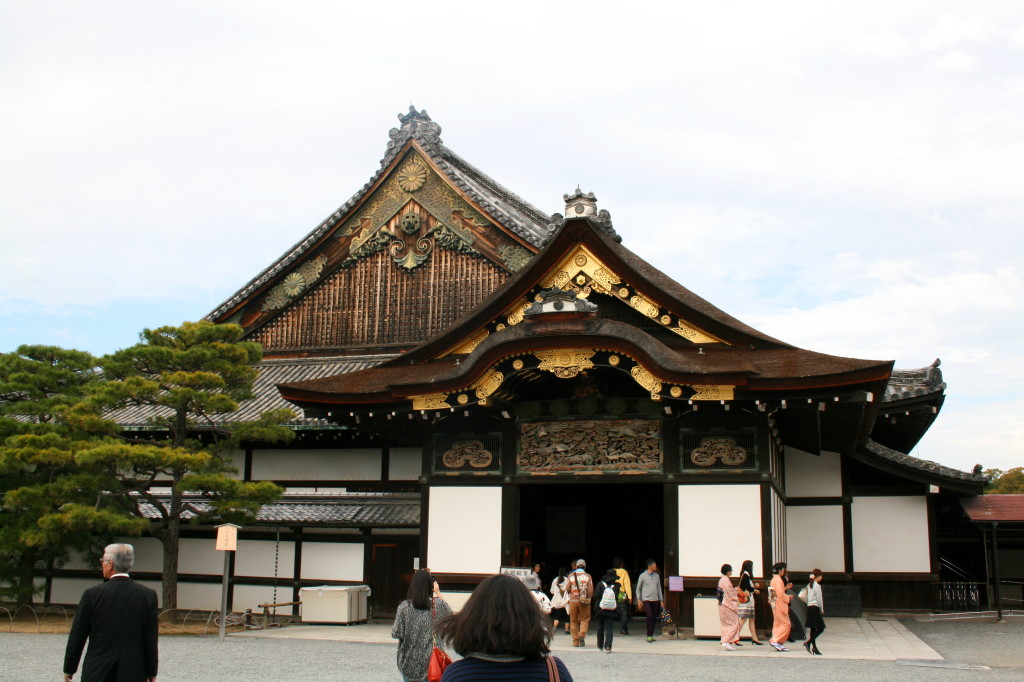 nijo-castle-shogun-entrance