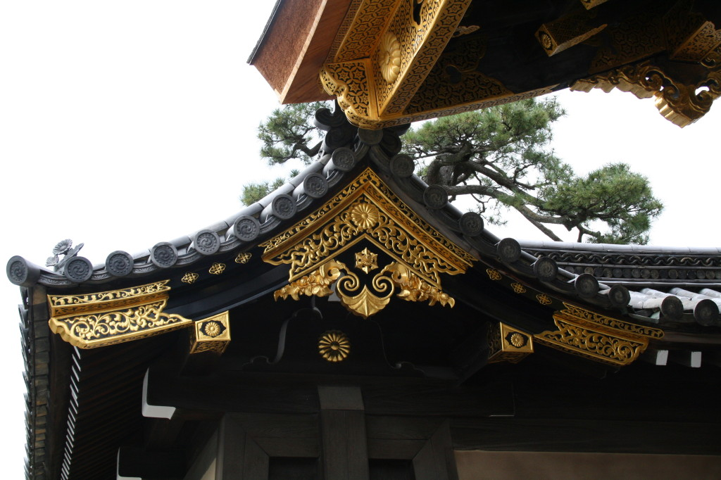 nijo-castle-shogun-gate-detail-2