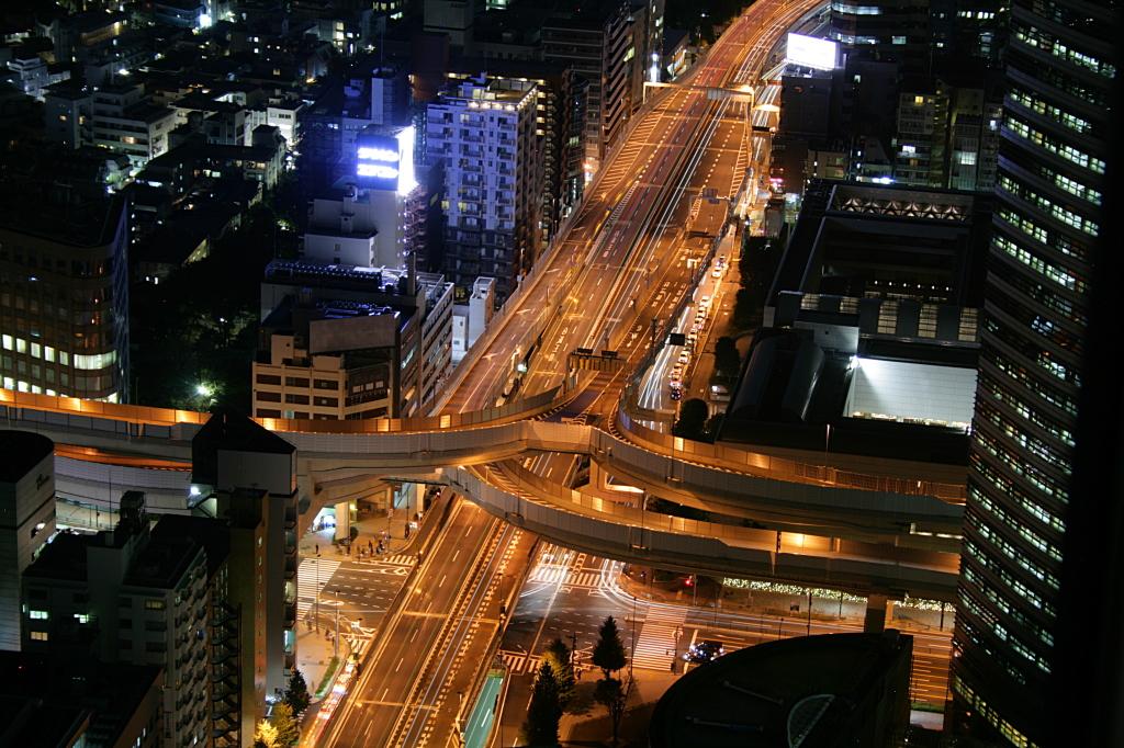 tokyo-road-night-2